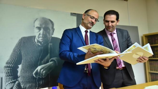 Presentado el nuevo catálogo de la exposición permanente de Fundación Díaz Caneja que es 'una obra de arte en sí mismo'