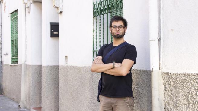 El periodista, poeta y astrofísico Sergio C. Fanjul en una de sus expediciones asfálticas por Madrid.