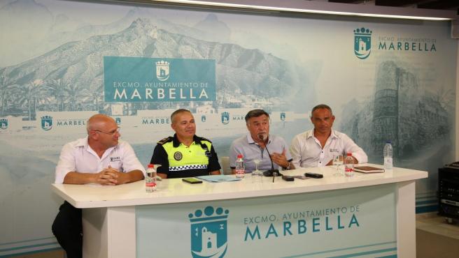 Marbella cuenta con el primer taxi cardioprotegido dotado de un desfibrilador para dar servicio a usuarios y atender emergencias en la vía pública