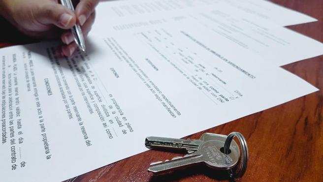 Imagen de archivo de una firma de hipoteca.