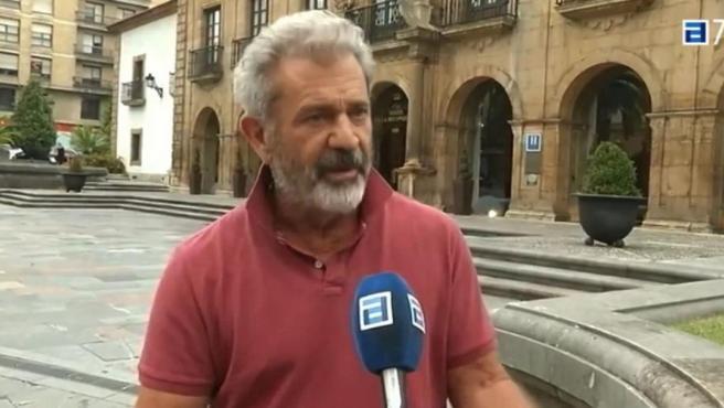 El actor Mel Gibson disfruta de las vacaciones en Asturias.