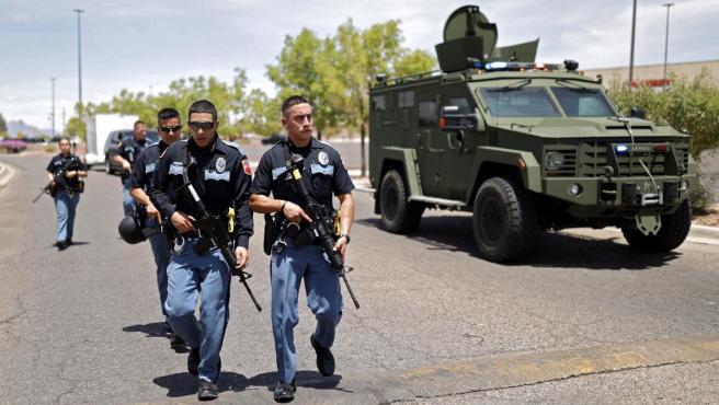 La Policía de Texas (EE UU) interviene tras el tiroteo producido en un Walmart.