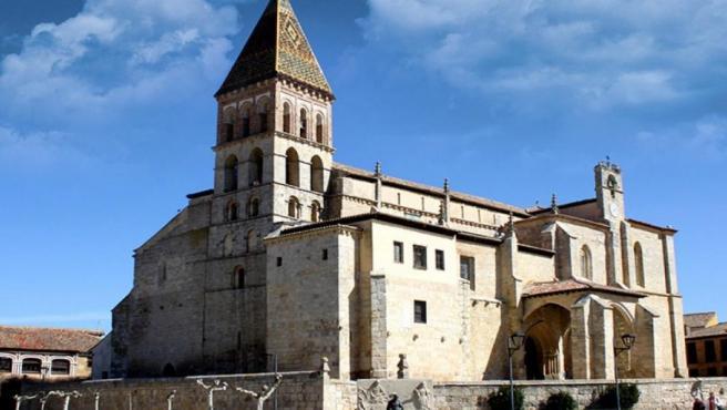 Iglesia de Santa Eulalia de Paredes de Nava, sede del Museo Parroquial.