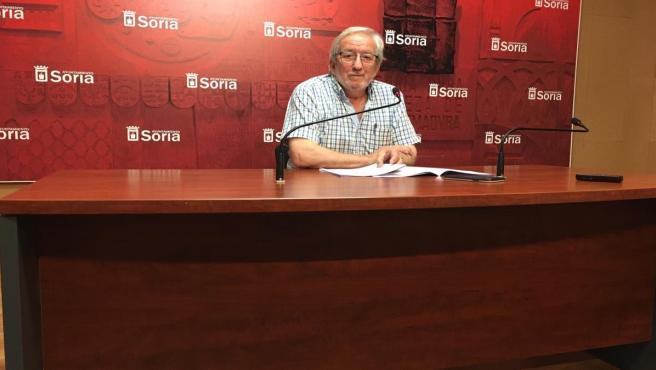 El concejal de Cultura, Jesús Bárez, presenta la Feria del Libro de Soria.