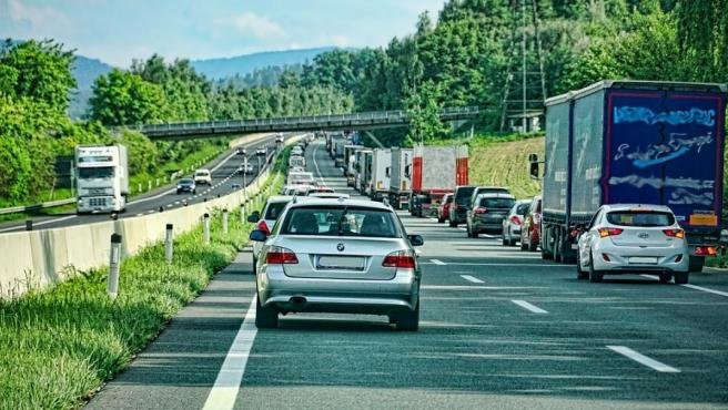 La distancia de seguridad es la medida más importante en un embotellamiento.