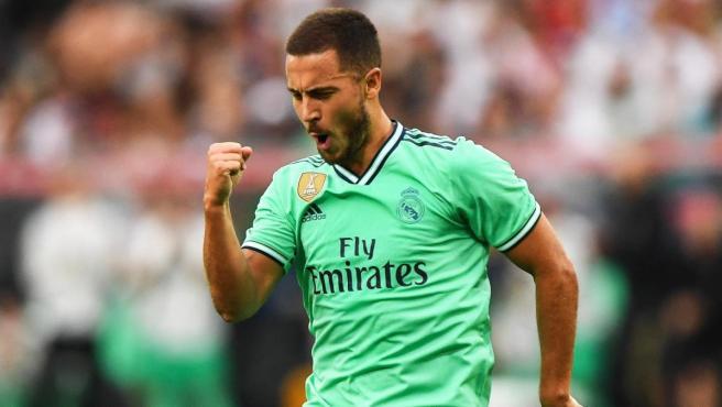 Eden Hazard celebra su primer gol con el Real Madrid.