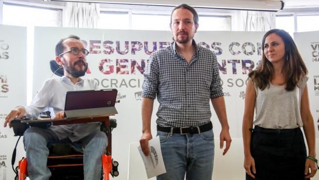 Pablo Echenique, Pablo Iglesias e Ione Belarra, este lunes en el Círculo de Bellas Artes.