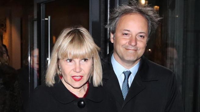 Eugenia Martínez de Irujo junto a su pareja Narcis Rebollo, en París.