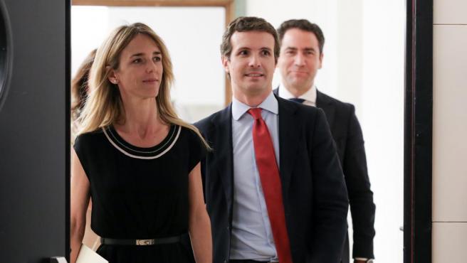 Cayetana Álvarez de Toledo, Pablo Casado y Teodoro García Egea, en el Congreso.