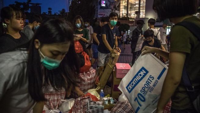 Manifestantes de Hong Kong ordenan las donaciones a su movimiento civil.
