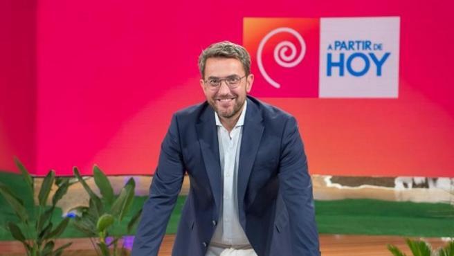 Maxim Huerta renueva con TVE.