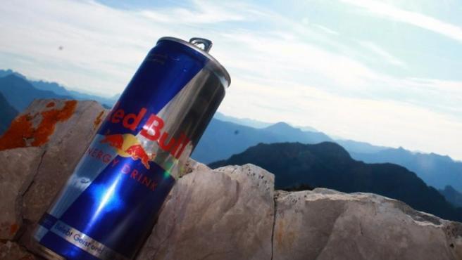 <p>Lata de Red Bull.</p>