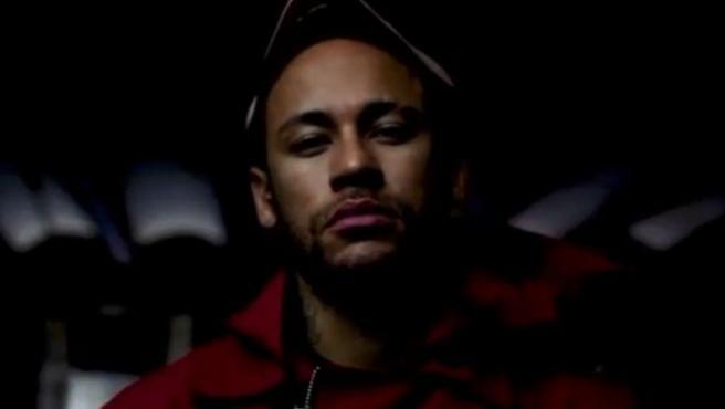 Neymar, ataviado con la ropa de los atracadores de la serie 'La casa de papel'