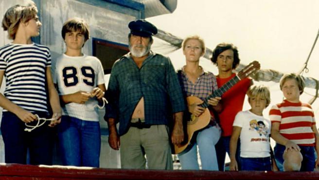 'Verano azul' solo necesitó 19 episodios y un barco, 'La Dorada', para hacer historia en TVE. Y es que las últimas entregas fueron vistas por más de nueve millones de espectadores.
