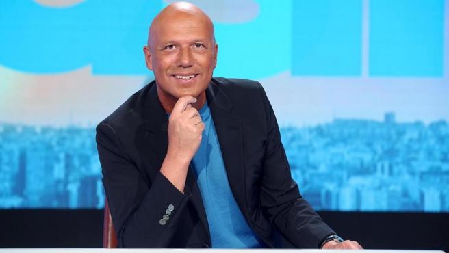 <p>La Sexta estrena la segunda temporada de 'Aruser@s' con Alfonso Arús al frente.</p>