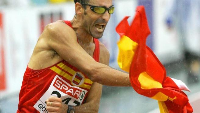 <p>El marchador español ha participado en siete Juegos Olímpicos y a sus 49 años parece que todavía le queda un poco de cuerda. En su mira las Olimpiadas de Tokio en 2020 que podrían poner fin a su larga trayectoria deportiva.</p>