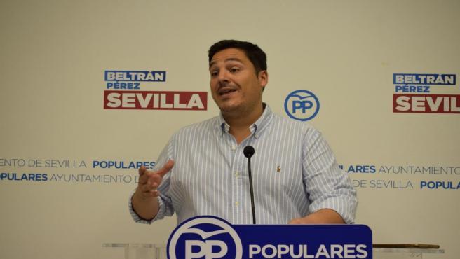 El concejal del PP de Sevilla José Luis García, en una imagen de archivo durante una rueda de prensa