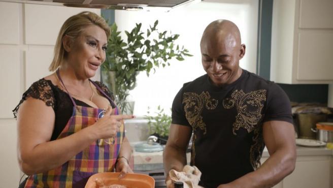 Raquel Mosquera en el programa 'Ven a cenar conmigo'.