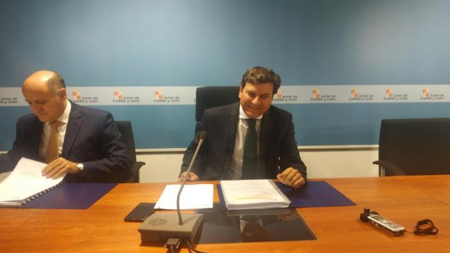 El consejero de Economía y Hacienda, Carlos Fernández Carriedo, expone los datos de la contabilidad del segundo trimestre del año en Castilla y León.