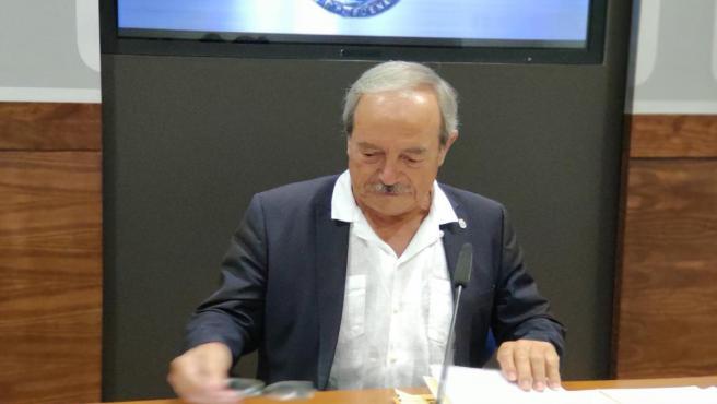El portavoz del PSOE en el Ayuntamiento de Oviedo, Wenceslao López, en rueda de prensa.