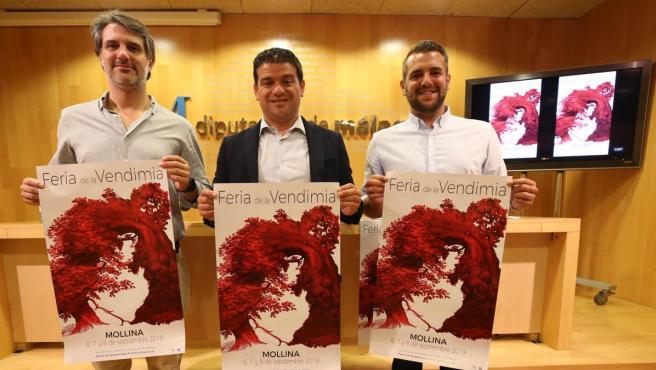 El diputado de Medio Ambiente, Turismo Interior y Cambio Climático, Cristóbal Ortega, y el alcalde de Mollina, Eugenio Sevillano, presentan la Feria de la Vendimia de Mollina.