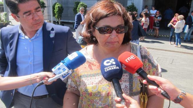 La consejera de Educación del Gobierno de Canarias, María José Guerra, junto al presidente del Cabildo de Tenerife, Pedro Martín