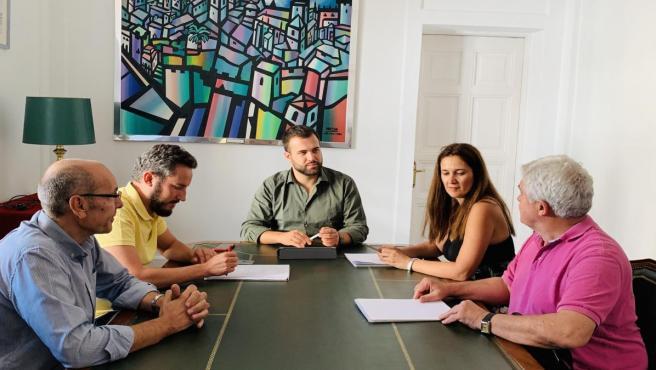 Reunión de CarEx y el alcalde de Cáceres