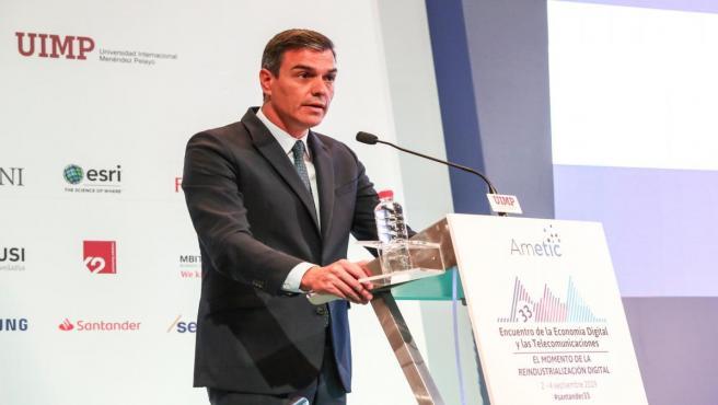 El presidente del Gobierno en funciones, Pedro Sánchez, clausura el 33 Encuentro de la Economía Digital y las Telecomunicaciones organizado por Ametic.