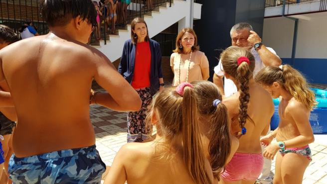 Navarro y García Paine vistan las Escuelas de Verano en Málaga
