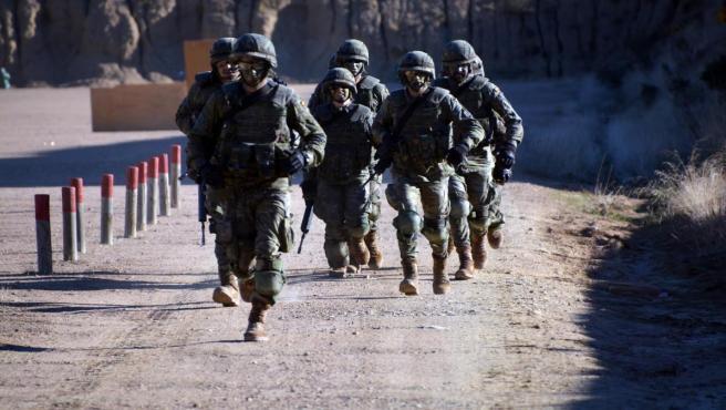 Militares de la BRI X durante un ejercicio en la base militar de Cerro Muriano (Córdoba).