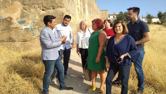 Visita del PSOE a la Muralla Nazarí