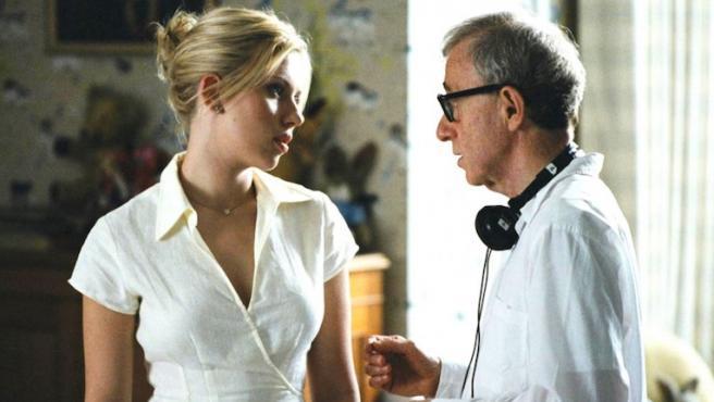"""Scarlett Johansson: """"Adoro a Woody Allen, le creo y trabajaría otra vez con él"""""""