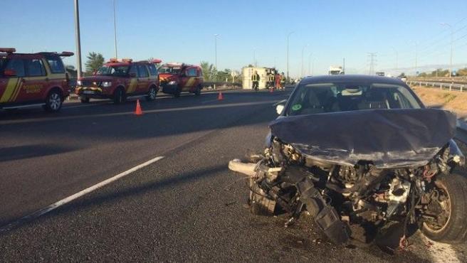Imagen de un siniestro en el accidente de tráfico en la carretera M-50 de Madrid.