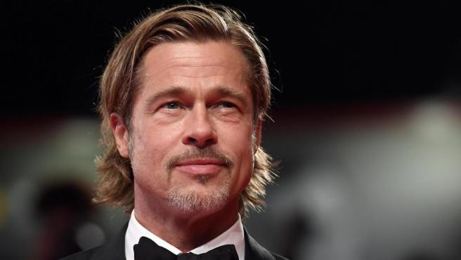 El actor estadounidense Brad Pitt posa sobre la alfombra roja de la 76 edición de la Mostra de Venecia.