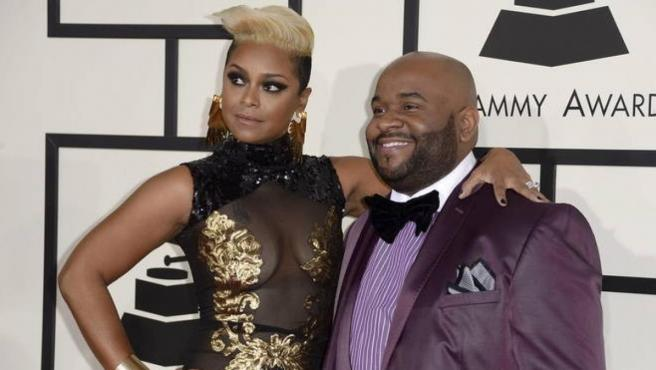 LaShawn Daniels y su esposa, April Daniels, en la alfombra roja de los Premios Grammy de 2014, en el Staples Center de Los Ángeles (EE UU).