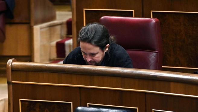 El líder de Unidas Podemos, Pablo Iglesias, durante el pleno del Congreso que se celebra este martes en la Cámara Baja.