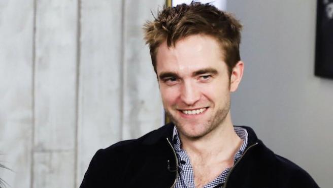 Robert Pattinson encuentra un nexo entre sus personajes: no paran de masturbarse