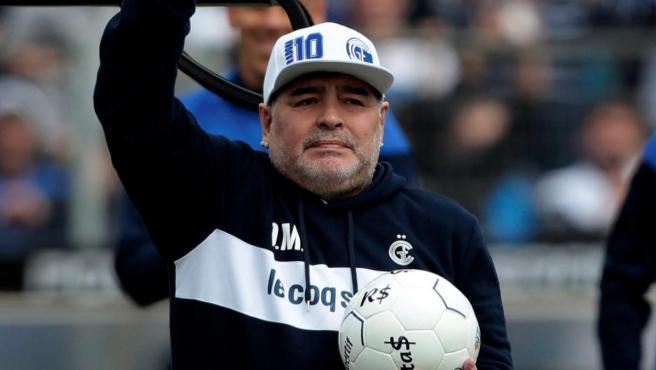 Diego Armando Maradona, durante su presentación con Gimnasia y Esgrima La Plata.