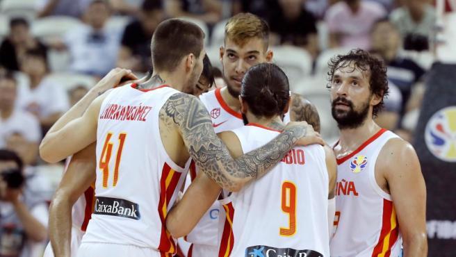 La selección española de baloncesto, durante el partido del Mundial frente a Polonia.