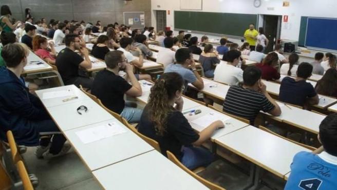 Estudiantes, examenes, EBAU