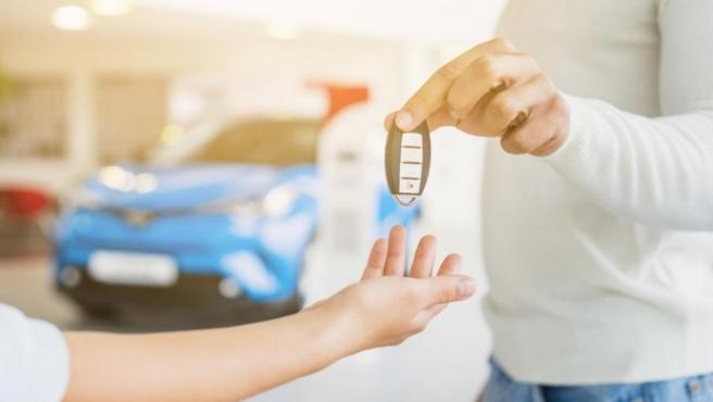 Antes de comprar un vehículo hay que realizar una revisión exhaustiva del coche.