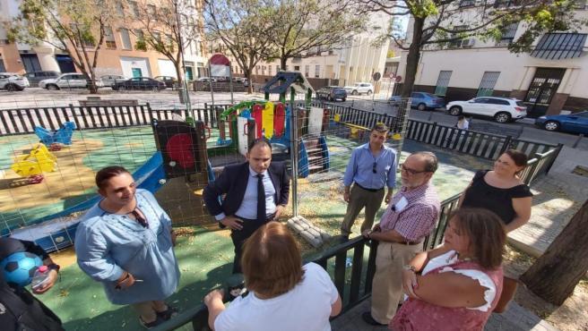 El PP se reúne con vecinos de la Plaza de las Aceituneras