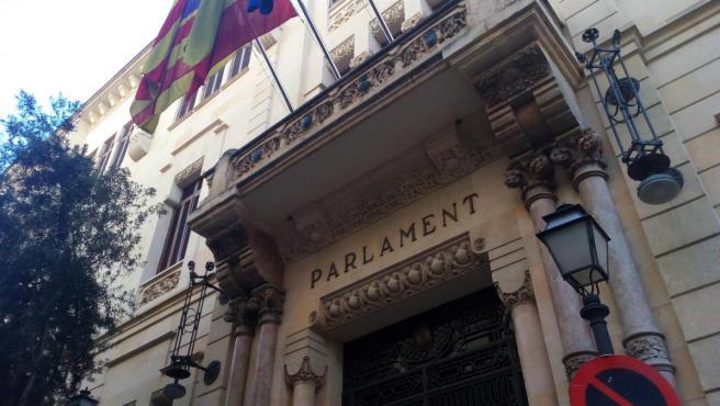 Imagen de la fachada del Parlament
