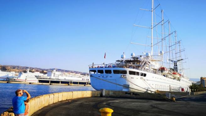 El crucero Wind Surf