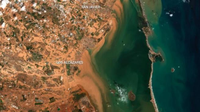 Efectos de la gota fría a su paso por el Mar Menor, en Murcia, captados desde el satélite Sentinel del programa Copernicus.