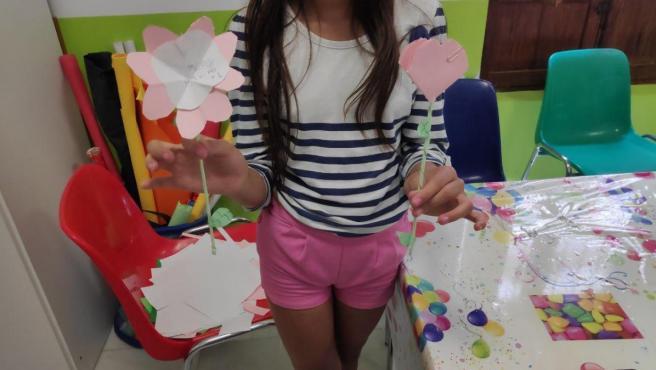 Niña participante en el programa de vacaciones del IAM