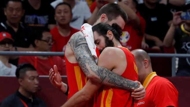 Ricky y Juancho celebran el Mundial.