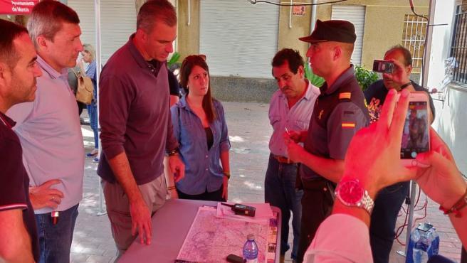 El secretario general de VOX, Javier Ortega-Smith, visitas las zonas afectadas por las lluvias en la Vega Media