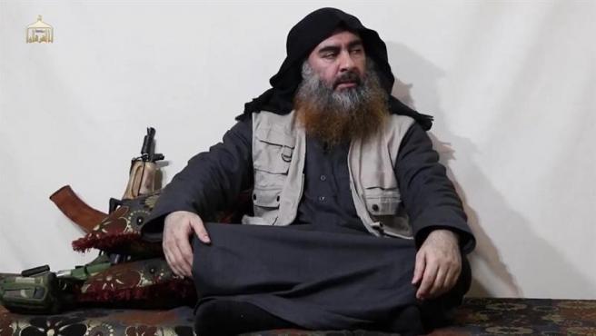 El líder de Estado Islámico, Abu Bakr al Bagdadi, en su primera aparición en vídeo desde julio de 2014.