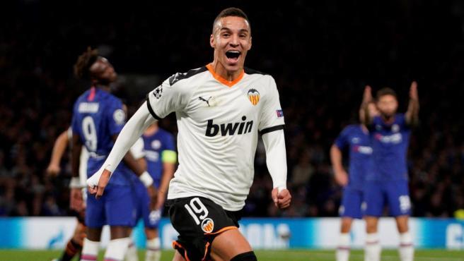 Rodrigo Moreno celebra su gol en el Chelsea-Valencia.